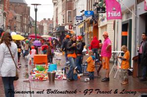 Anche se piove bisogna partecipare al Koningsdag e indossare qualcosa di arancione!