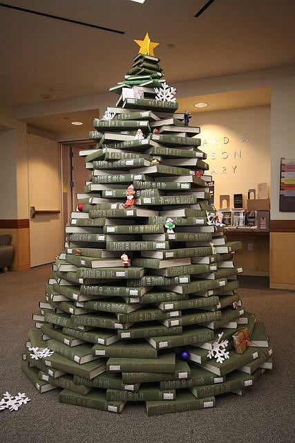 NUC_Christmas_Tree_S_Calhoun