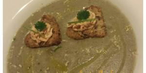 Zuppa di cipolle à la francese con doppio crostino