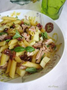 insalata di pasta con scamorza tonno e pomodori secchi3 -