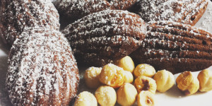 Madeleines senza glutine con cacao e nocciole