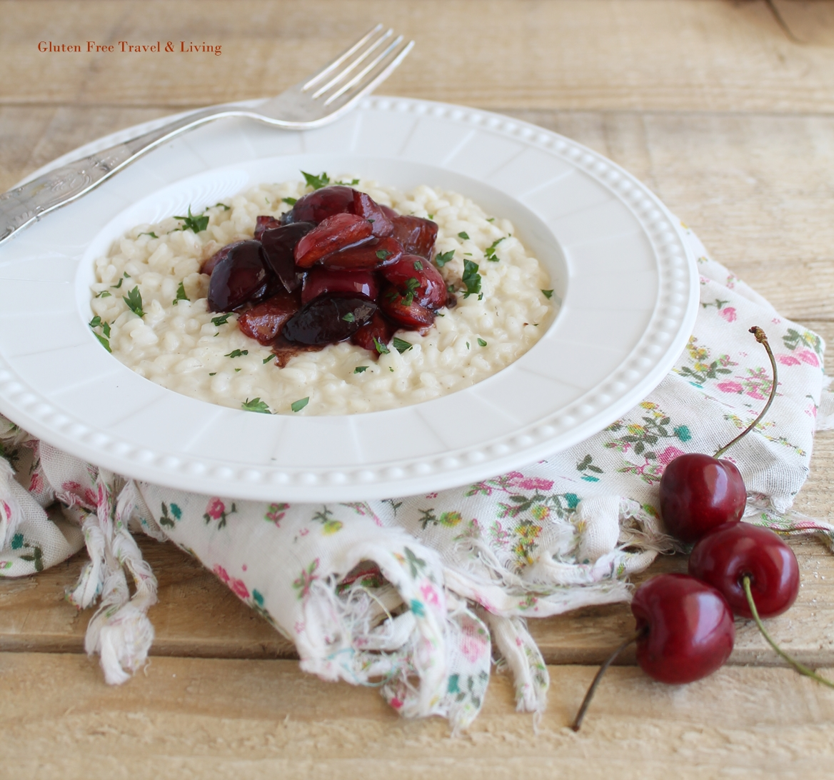 Risotto con ciliegie e robiola senza glutine - Gluten Free Travel and Living