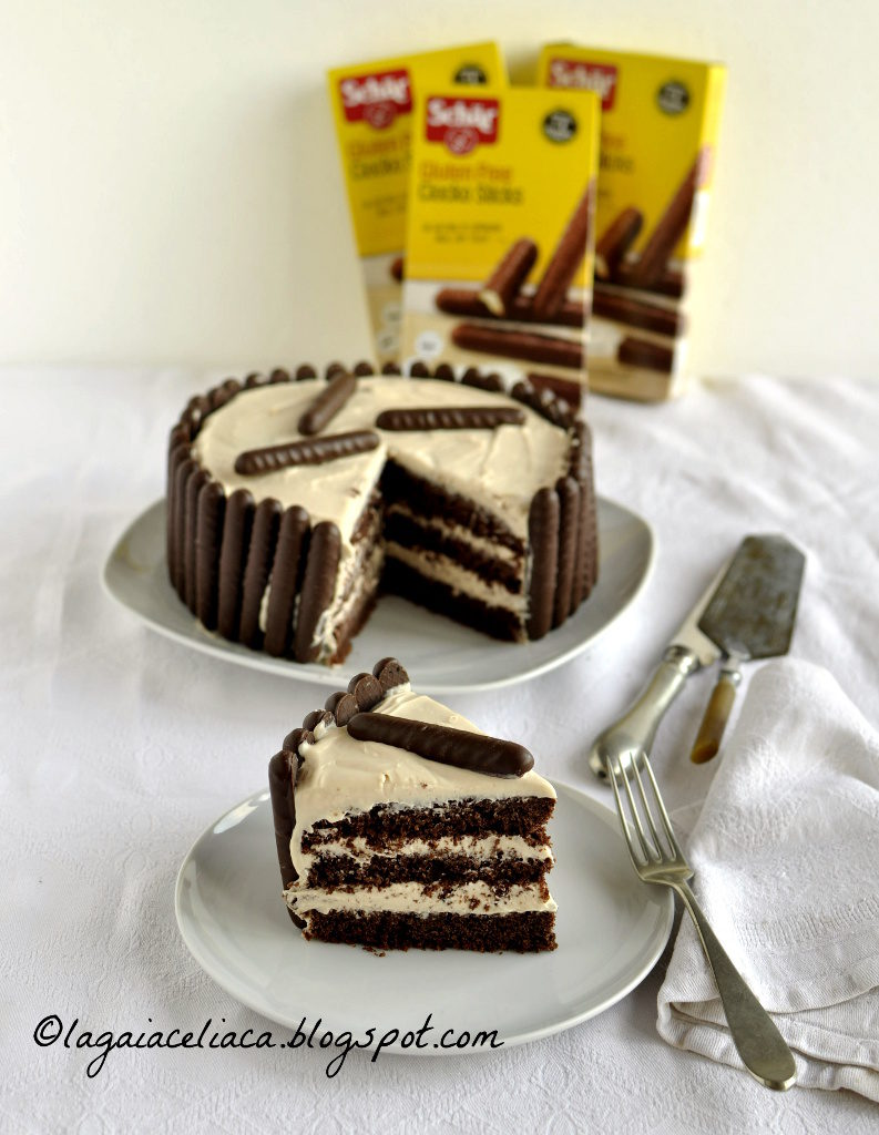 Torta al cacao e caramello salato con i Chocko Sticks Schär - Gluten Free Travel & Living