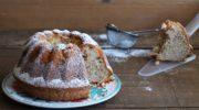Ciambella con pere e mandorle senza glutine, la video ricetta