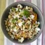 Insalata calda di riso e piselli blu con vinaigrette al miele e cumino