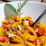 Insalata tiepida di lenticchie, peperoni e pecorino