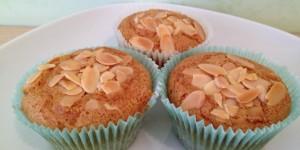 Muffins alle mandorle senza glutine, senza uova e senza lattosio