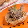 Costolette di agnello panate con farina di mais e rosmarino con coroncina di patate di Marco Scaglione