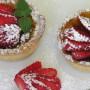 Cestini senza glutine alle fragole e confettura di albicocche