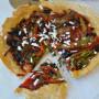 Pizza in padella alle verdure e origano
