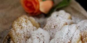 Madeleines senza glutine con mele caramellate e uvetta