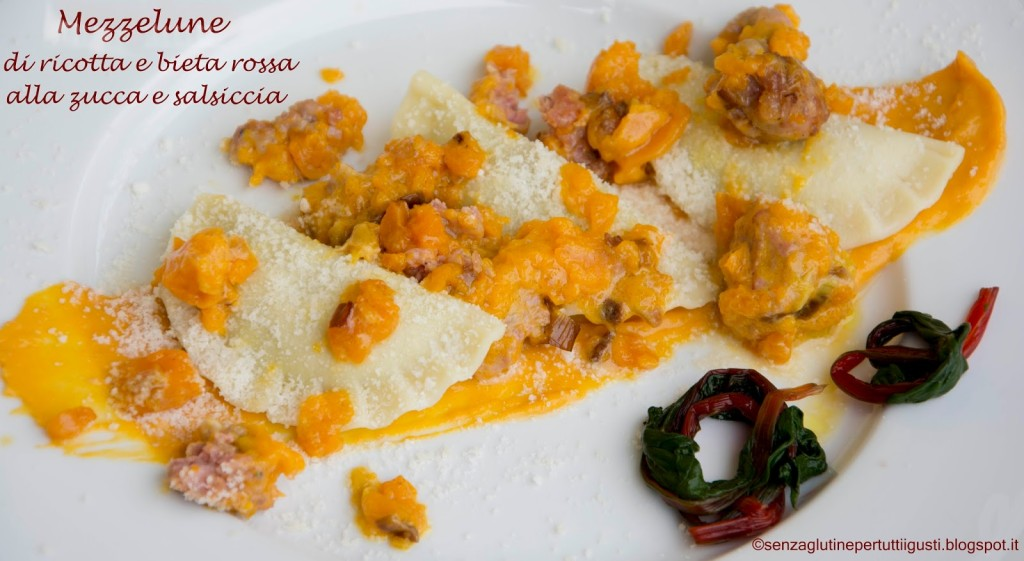 Mezzelune con ricotta e bieta rossa al ragoût di zucca e salsiccia Di Anna Lisa Iacobellis
