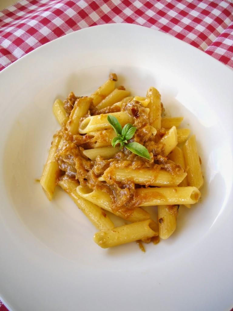 Pasta con zucca, capuliato di pomodori secchi e mentuccia Di Elisabetta Campisi, Valentina Marino, Federica Barbera, Rossella Failla