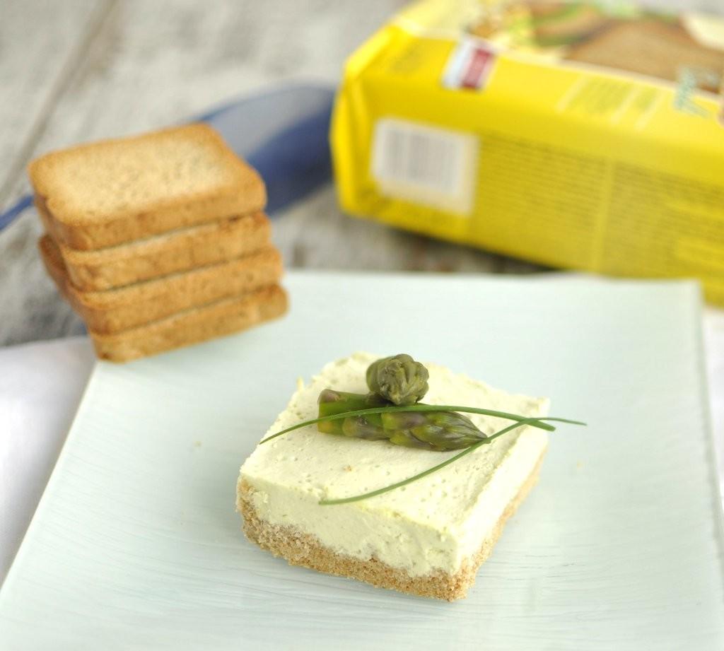 Cheesecake salata con fette biscottate Cereali Schär- Gluten Free Travel and Living