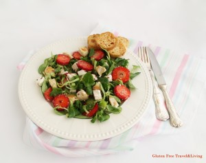 Insalata di soncino e fragole senza glutine - Gluten Free Travel and Living