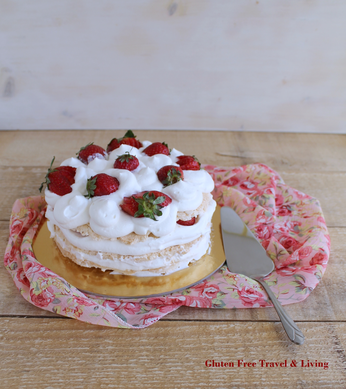 Torta di meringa, crema e fragole senza glutine - Gluten Free Travel and Living
