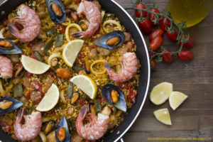 Paella valenciana mixta - Gluten Free Travel & living