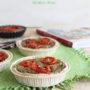 Crostatine con crema di melanzane e pomodorini caramellati