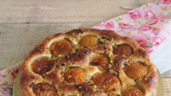 Crostata con frangipane e albicocche senza glutine: la video ricetta