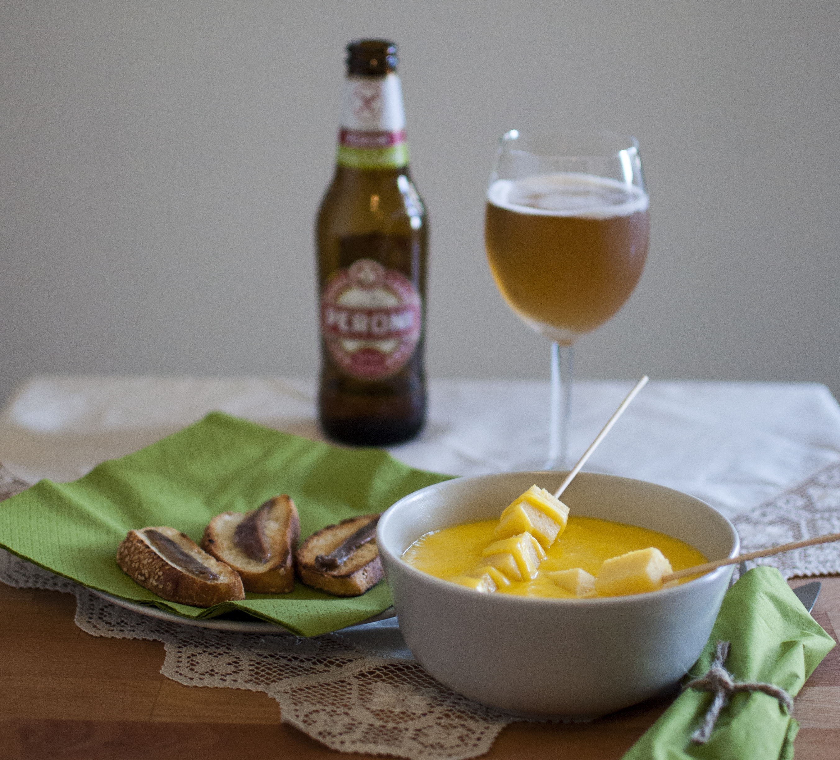 Fonduta di formaggio con Peroni Senza Glutine