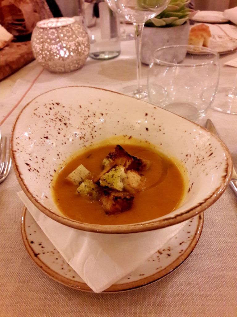 Vellutata di zucca con crostini di pane croccante de La Quercia di Castelletti - Gluten FreeTravel & Living